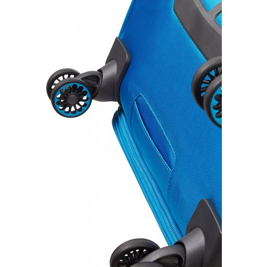 Light Blue Ultracore Spinner on 4 wheels 70 cm. Expandable